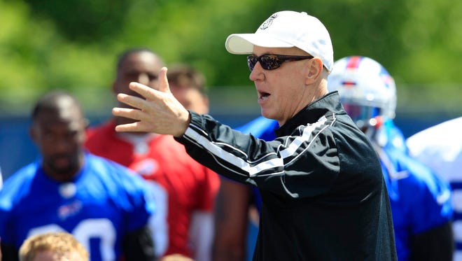 Buffalo Bills Hall of Fame quarterback Jim Kelly addresses his former team during NFL football minicamp in Orchard Park, N.Y.