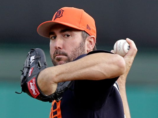 Detroit Tigers starting pitcher Justin Verlander throws against the Atlanta Braves during the first inning of a spring training baseball game, Thursday, March 23, 2017, in Kissimmee, Fla. (AP Photo/John Raoux)