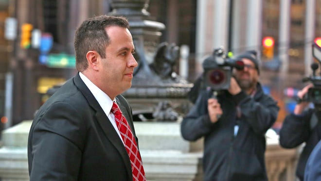 Jared Fogle enters the Birch Bayh Federal Building and United States Courthouse for sentencing in Indianapolis on Thursday, Nov. 19, 2015.