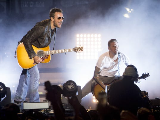 Phoenix concert announcements eric church james maynard for Thun country 2016