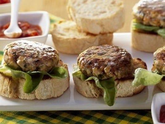 636407392909388673-greekspices-burger.jpg