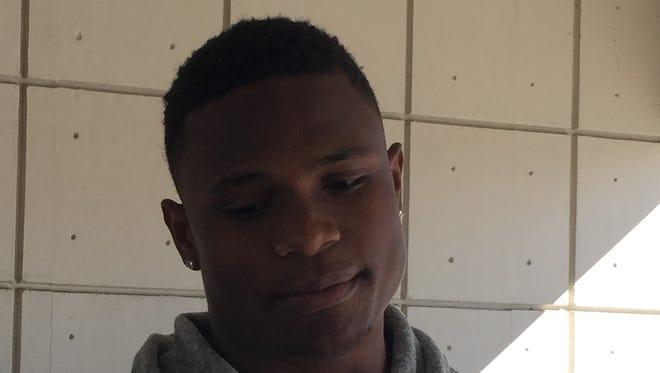 "Three-star linebacker Elijah Sullivan is ""100 percent"" committed to Auburn."