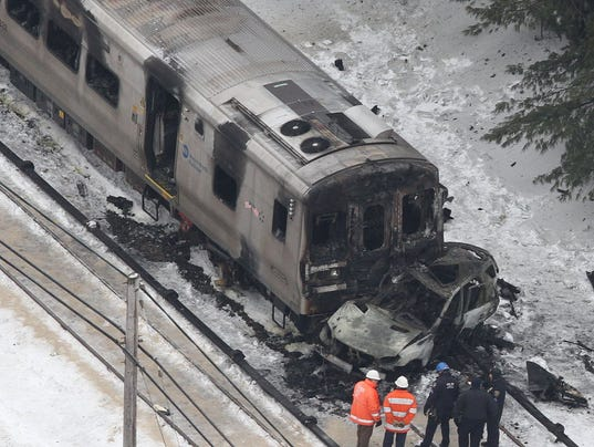 7 killed as train crashes in Ankara - World - DAWN.COM