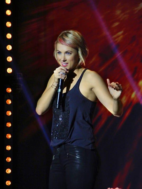 Comedian Iliza Shlesinger Brings Laughs To Nashville