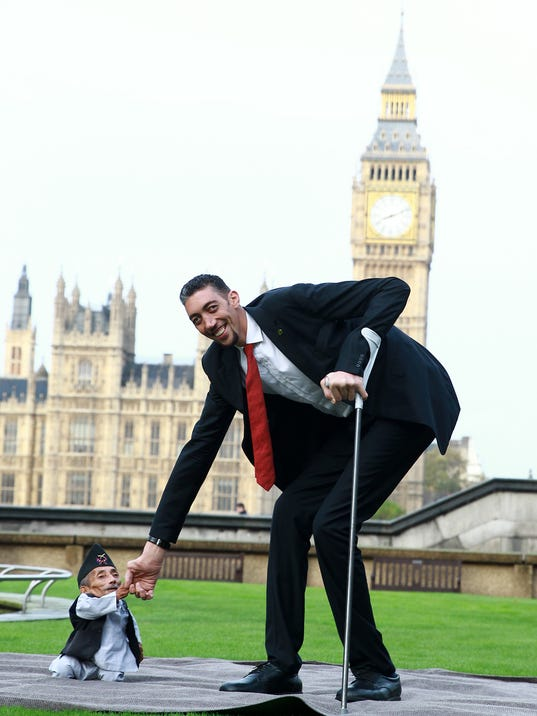 worlds tallest man meets worlds shortest man