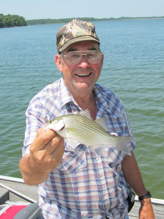 Fellows lake a convenient place to fish float for Lake gregory fishing report