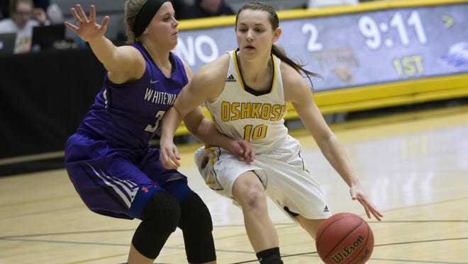 Senior Taylor Schmidt (10) will help lead UW-Oshkosh back to the NCAA Tournament for the fourth straight year.