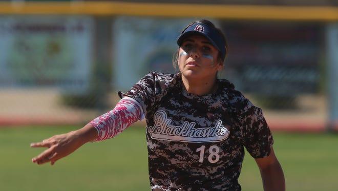 La Quinta's Mariah Estrada pitches against Coachella Valley on Tuesday.