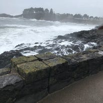 Man swept into the ocean at Depoe Bay after going over sea wall for better views