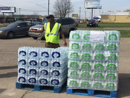 636111967874233981-flint-water.png