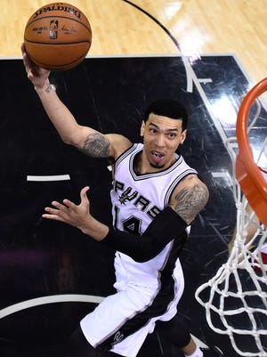 Danny Green will stay with the San Antonio Spurs.