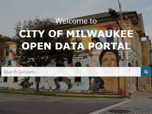 636673480655034612-data-portal.JPG