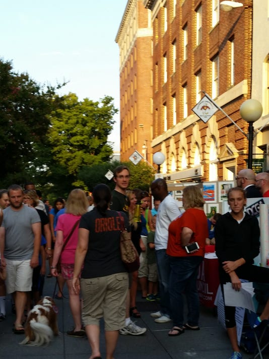 3rd friday plaza2015-cropped.jpg