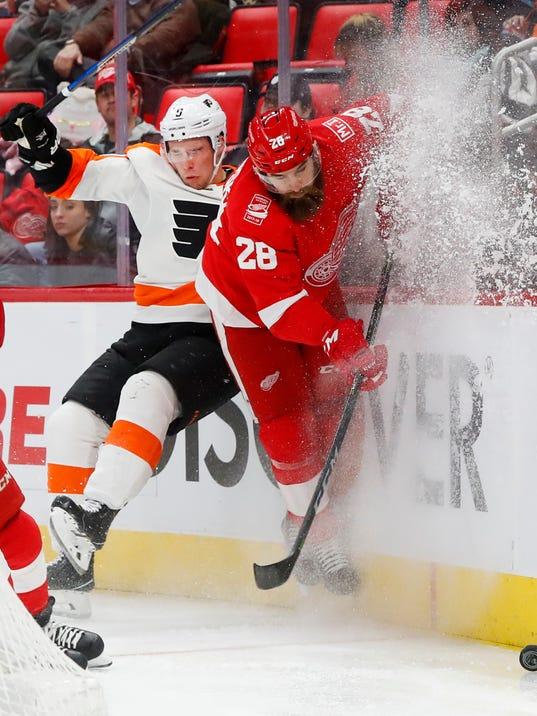 636523389992385957-AP-Flyers-Red-Wings-Hockey-M.jpg