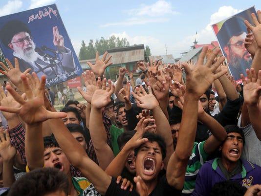 Kashmiri Shia Muslims protest