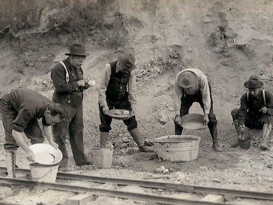 Men-gold-panning.jpg