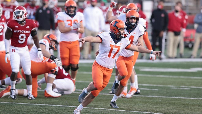 Illinois kicker James McCourt (17) celebrates his game-winning field goal in the final seconds of a 23-20 win over Rutgers on Saturday at SHI Stadium in Piscataway, N.J.
