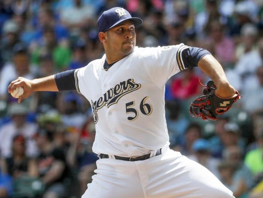 Brewers starter Paolo Espino
