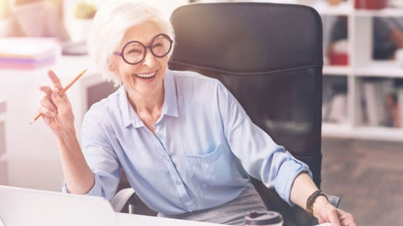 """Here's why older jobseekers should explore the world of """"returnships"""""""