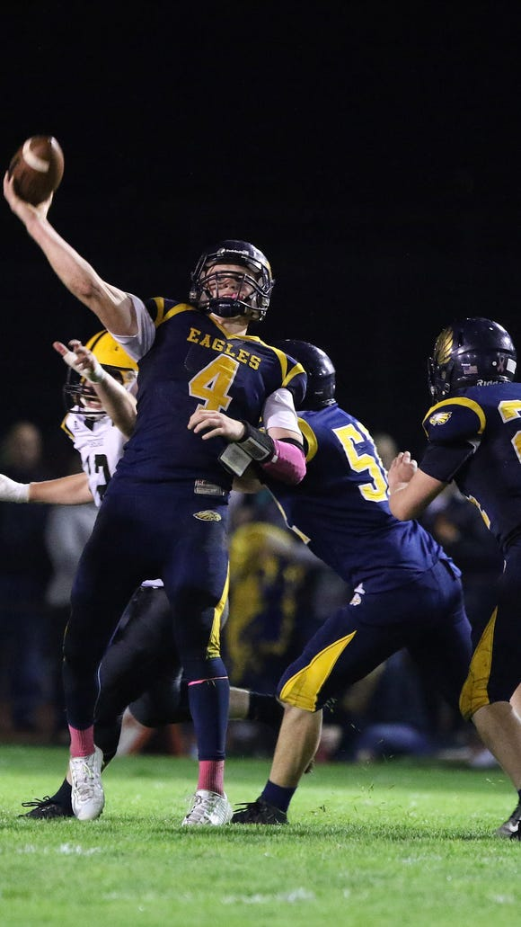 Cascade defeats Stayton 31-7 in an Oregon West Conference game Friday, Oct. 16, 2015, in Stayton.