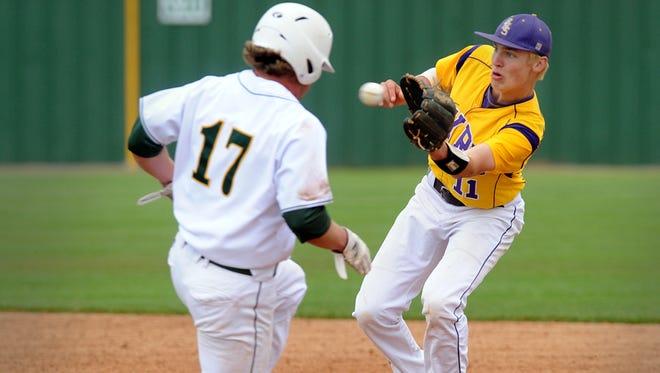 Captain Shreve's Justin Skeesick (17) hit a three-run homer in Monday's game.