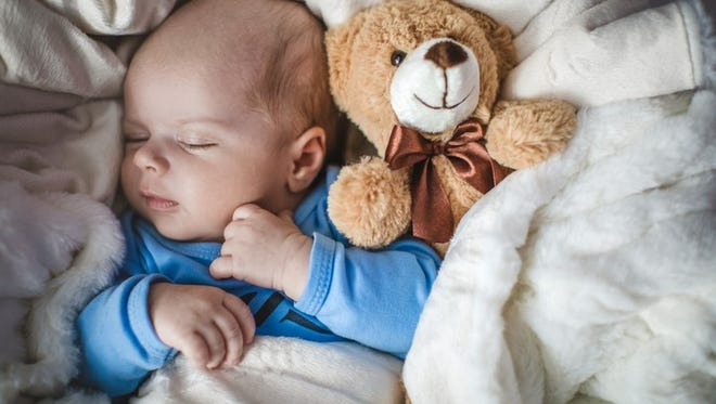 A new Washington program allows eligible parents and legal guardians to have their infants at work from six weeks old to six months old.