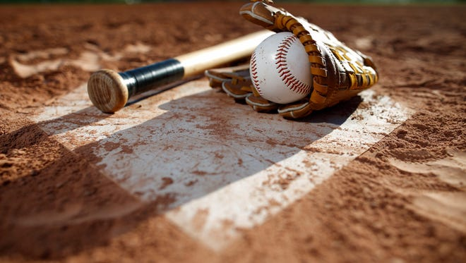 A wood bat tournament of senior Babe Ruth and Legion teams from Wisconsin, the Upper Peninsula and Canada, will be held in Oconto and Peshtigo this weekend.