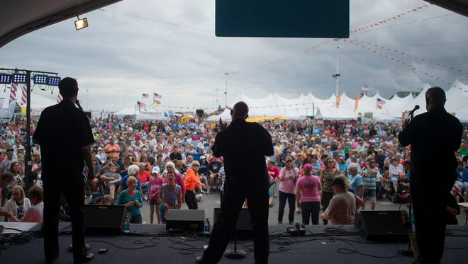 The Diamonds perform to a packed crowd Saturday, September 20 as Sunfest 2014 ensues at the Ocean City inlet.