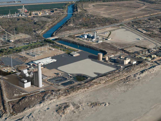 A visual simulation shows what the Mandalay Generating Station would look like with a new power plant after the demolition of two existing power plants.