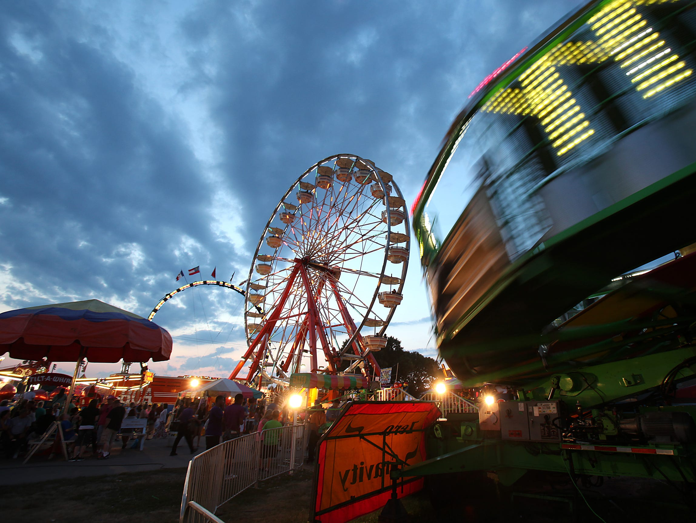 Win a four pack of admission tickets plus a pair of unlimited ride wristbands to the Fair. Enter 7/2-7/29.