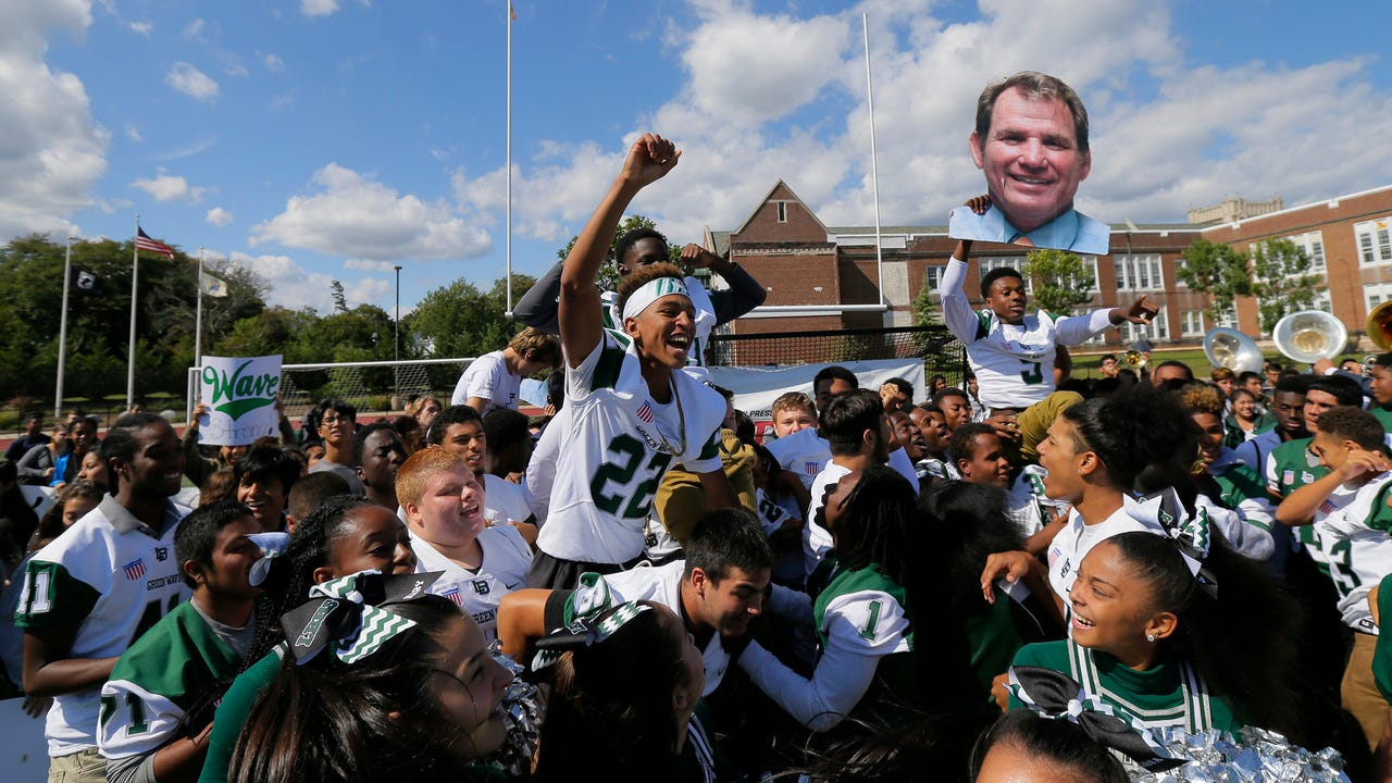 This week our traveling high school football preview show stops by Long Branch, as the Green Wave prepares to take-on The Crimson Knights of Wall