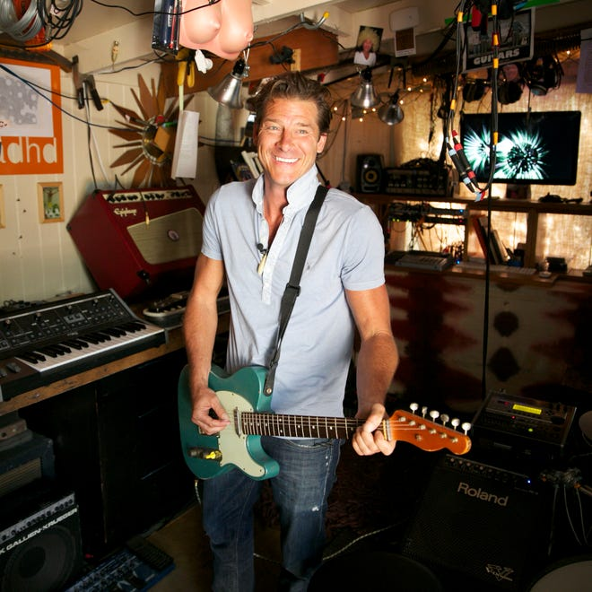 TV makeover host Ty Pennington takes us into his man cave at his Venice Beach home.