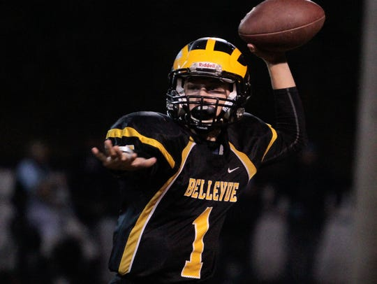 Eric Atkins of Bellevue throws the screen against Dayton