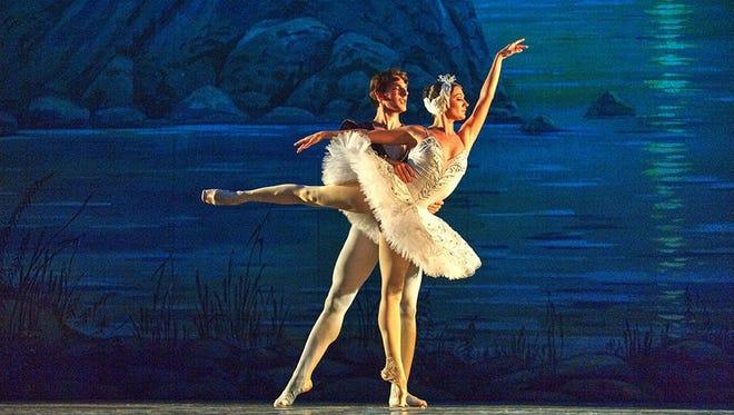 Russian Grand Ballet performs 'Swan Lake'