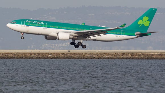 An Aer Lingus Airbus A330 jet lands at San Francisco