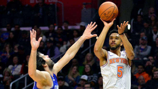 New York Knicks guard Courtney Lee remains sidelined with a neck injury that's been difficult to recover from.
