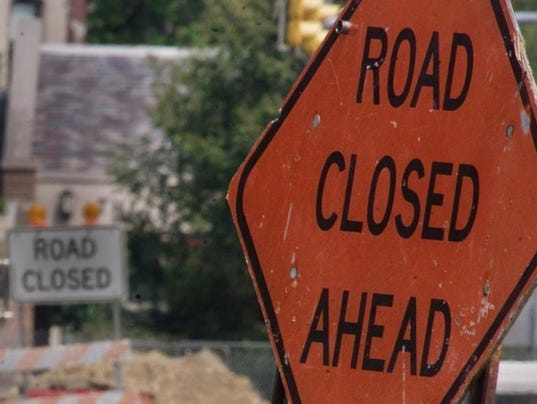 -roadclosedsigns.jpg20130718.jpg