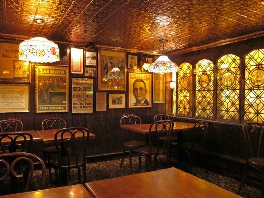 irish-pub1.JPG