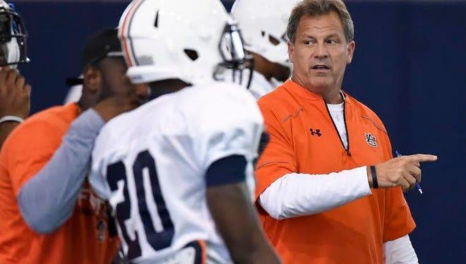 Auburn has named Lance Thompson as its defensive coordinator for the Birmingham Bowl against Memphis on Dec. 30 at Legion Field.