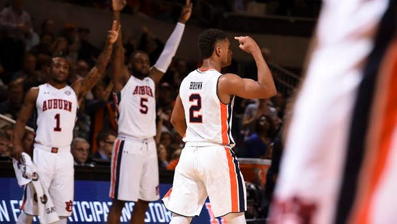 Auburn starters Kareem Canty (1) and Cinmeon Bowers