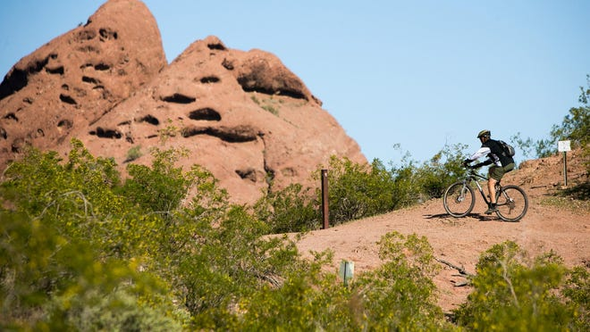 According to trail etiquette, mountain bikers yield to runners, hikers and horses.