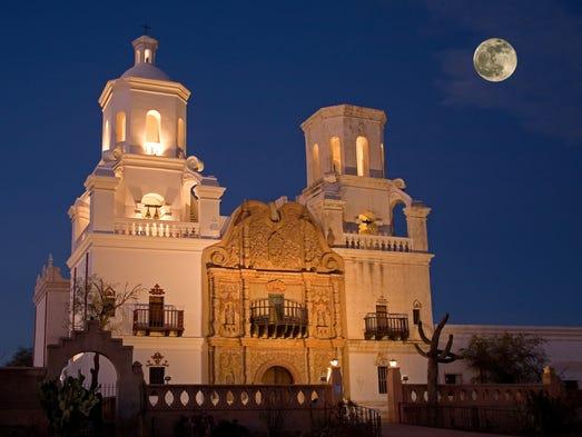 Tucson San Xavier --- DÓNDE: 1950 W. San Xavier Road,