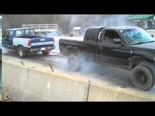 IMG_NEW_Tug-a-Truck_1_1_9MBJOLRF.jpg_20150820.jpg