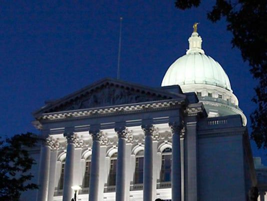 Capitol_Madison.jpg