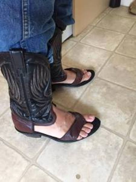 635703279879560778-cowboy-boot-sandal