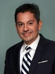Dr. Mauricio J. Castellon is a board-certified plastic surgeon based in Melbourne.