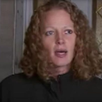 Kaci Hickox speaking to reporters outside her home