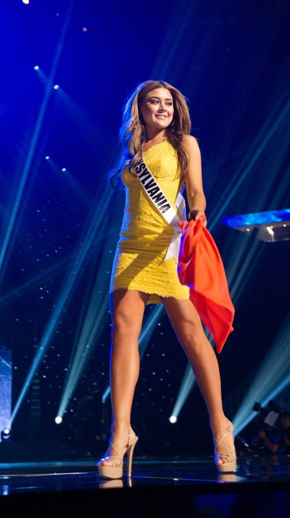 Elena LaQuatra, Miss Pennsylvania USA 2016, rehearses