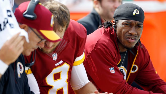 USA Today columnist Mike Foss thinks the Cowboys should take a chance and trade for Robert Griffin III.
