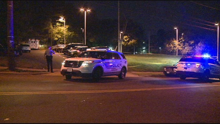 Crews respond to man shot in southeast, DC early Monday
